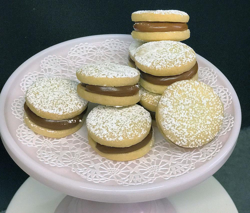 Dulce De Leche Alfajor Cookies