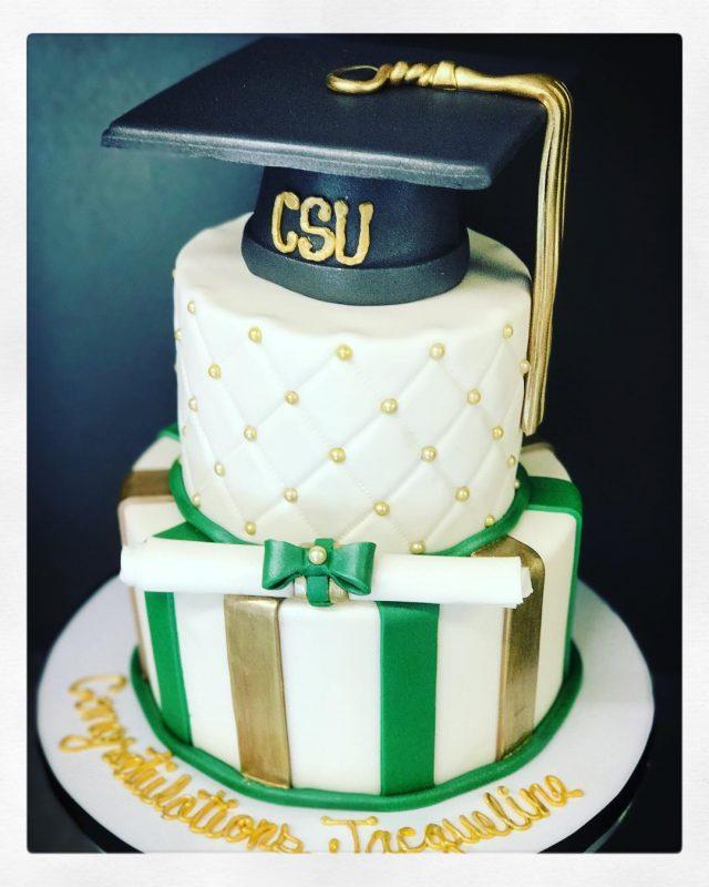 Graduation Cake Images Free : Graduation Cakes - Azucar Bakery